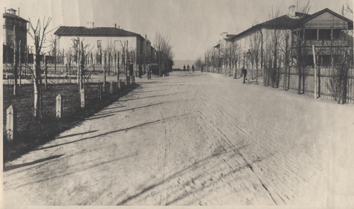 Жилые дома для служащих, 1908 год
