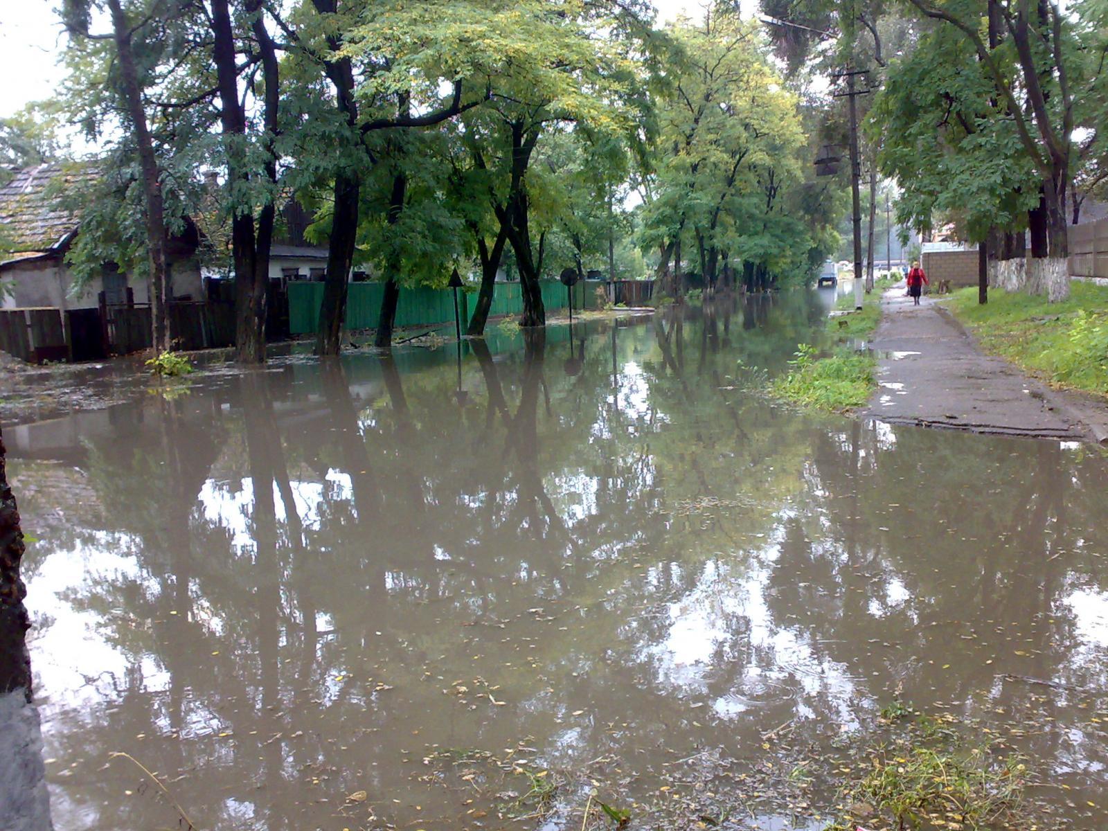 Переезд на Корчевского в сезон дождей.