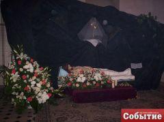 Великая Пятница (21.04.2011). Гроб Господень.