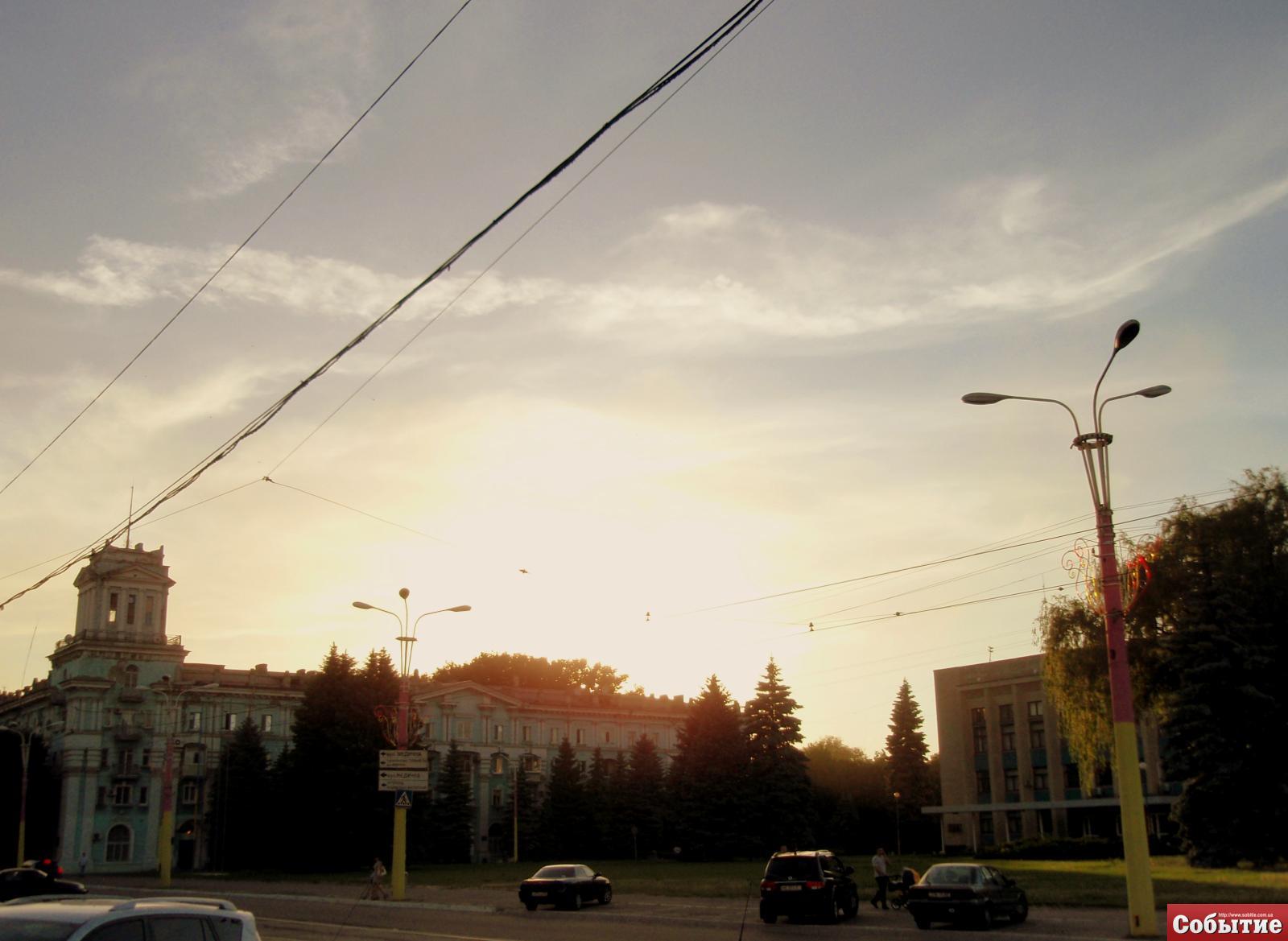 пл. Дзержинского