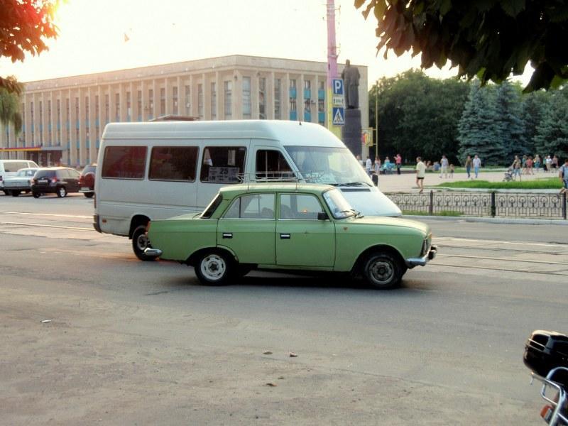 Мелкое ДТП по ул. Сыровца