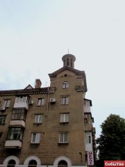 Дом на перес. пр. Ленина-ул. Долматова
