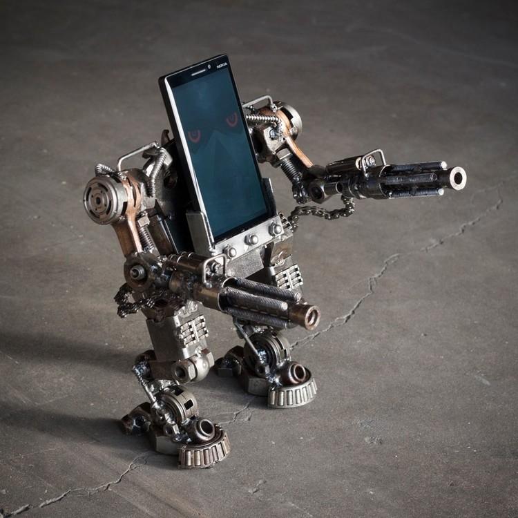 iphone-robot-stand.jpg